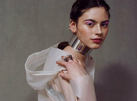 Glossy shades of colour / Editorial for Lucy´s magazine